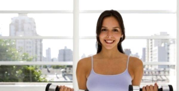 можно ли увеличить грудь спорт