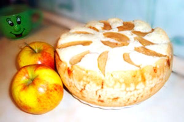 Рецепт шарлотки с яблоками в мультиварки