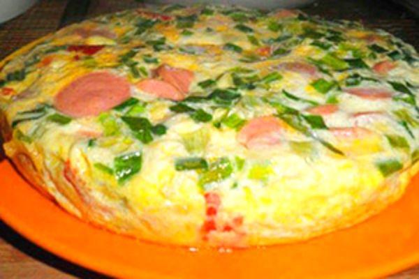 Омлет с колбасой и сыром в мультиварке рецепт с фото