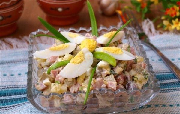 Салат с ветчиной и языком рецепт очень вкусный
