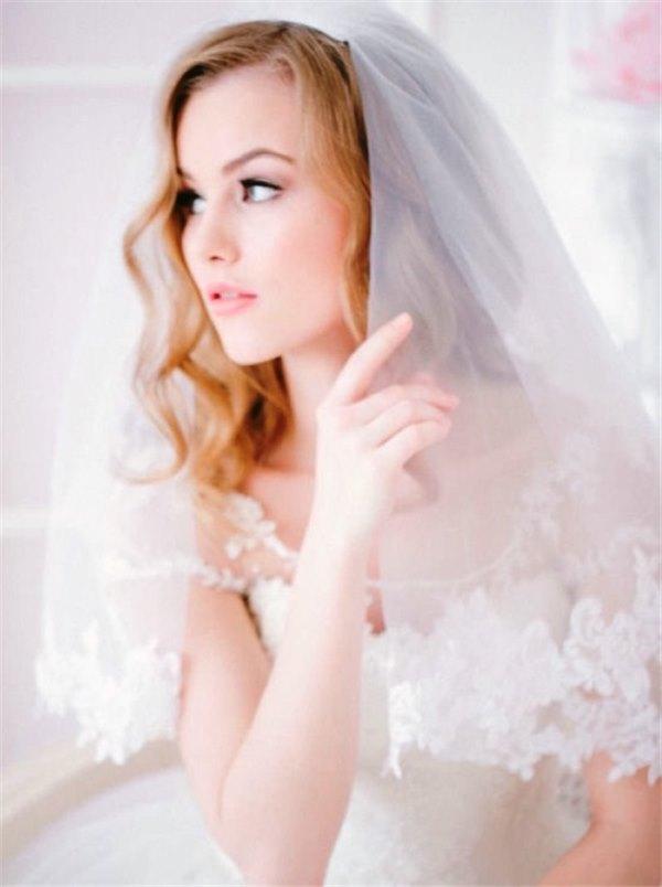 прически для невест на длинные волосы с фатой 2010