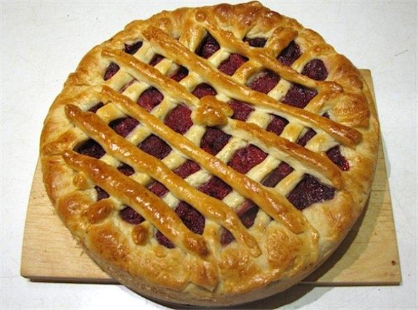 Пироги с клубникой из дрожжевого теста в духовке рецепт с