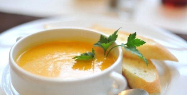 Разнообразные рецепты супов из тыквы и многих других ингредиентов