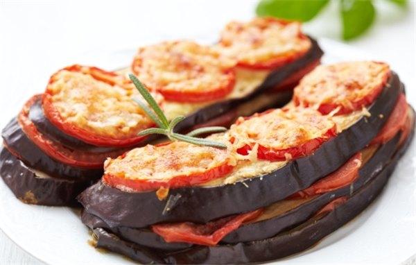 баклажан с помидорами фото