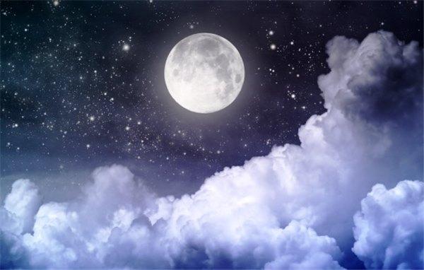 К чему снится луна по сонникам Фрейда, Ванги, Нострадамуса, Миллера и Генриха Роммеля