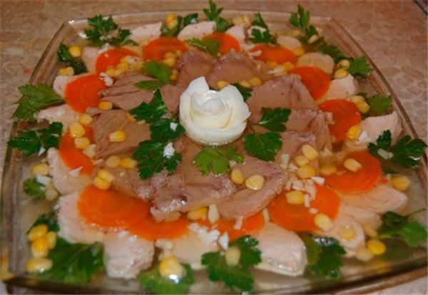 Заливное мясо курицы с желатином